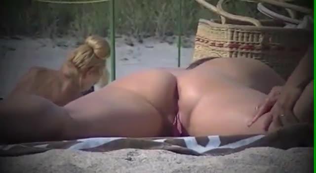 Aventura la plaja de nudisti