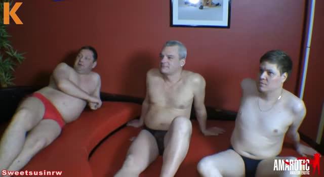 Trei penisuri si multa sperma