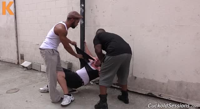 Penetrata de doi luptatori negri