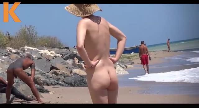 La plaja cu nudisti in Romania