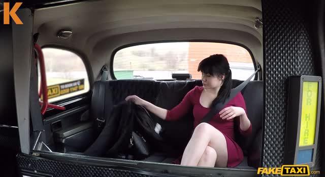Sex cu soferul de taxi